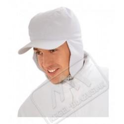 Czapka z daszkiem ocieplana biała